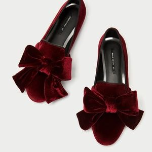 NEW WITH TAGS Zara Velvet Loafer with Bow Size 6